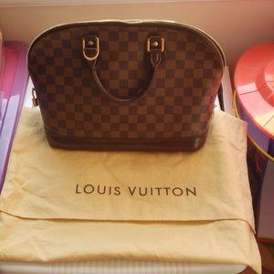 Louis Vuitton Damier Alma PM